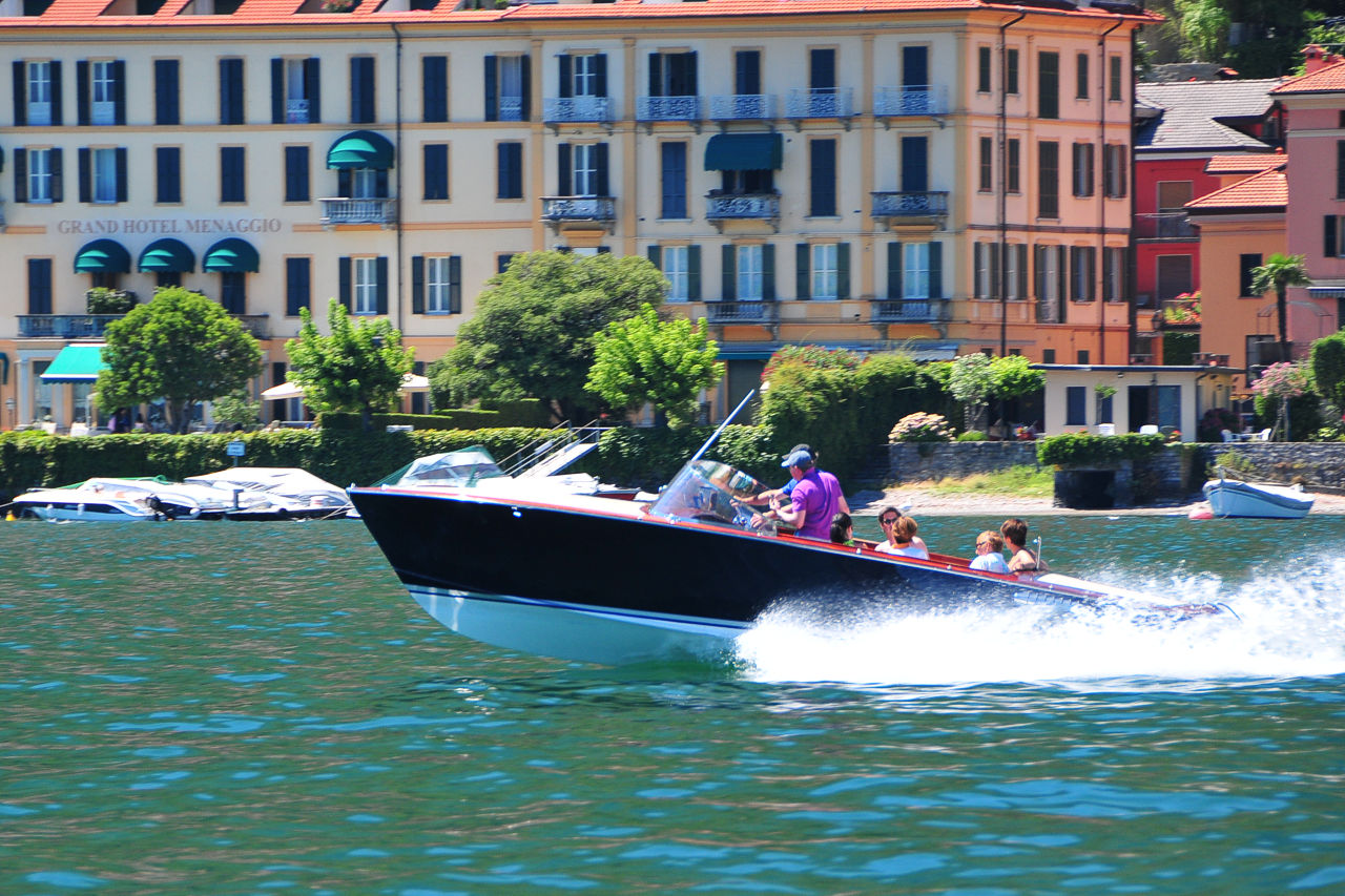 menaggio boating lake Como