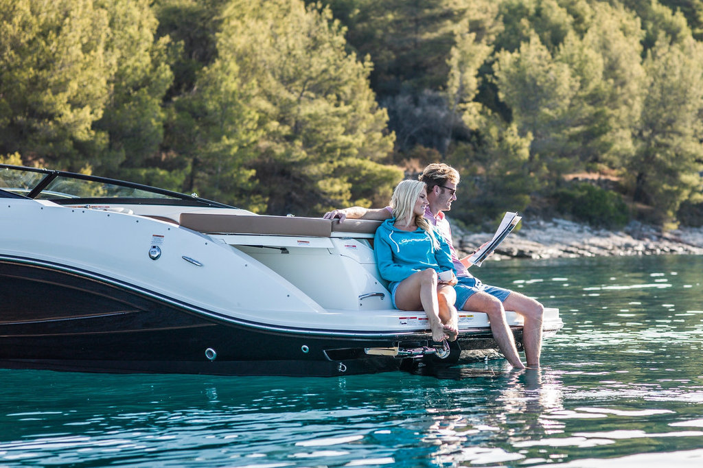 Sea Ray 230 SPX to sell lake Como